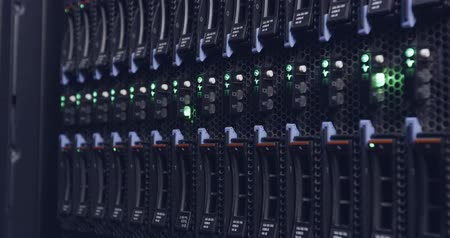 güvenlik duvarı : close up of blinking light in a data center servers Stok Video