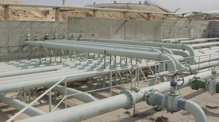 benzine : Oil and gas pipes and valves at a large oil refinery