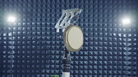 crocodilo : Testing a of a Radar in an anechoic chamber