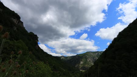 biodiverzitás : Time lapse of pyrenean hills with moving clouds in  Aude, Languedoc in the southern of France