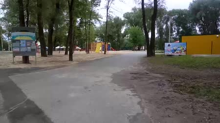 lixeira : Chernihiv, Ukraine 29 apr 2018. Hyperlapse shot of ruined town beach after spring river flood