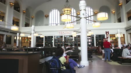sierpien : Denver, Colorado, USA-August 20, 2014. Redeveloped interior of historical Union Station in Denver, Colorado.