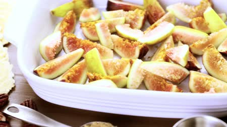 bruschetta : Preparing fig bruschetta with organic California figs. Stock Footage