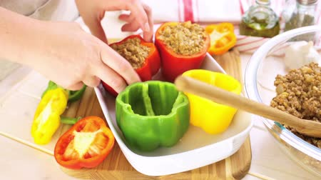 de baixa caloria : Low calorie stuffed peppers with ground turkey and white rice.