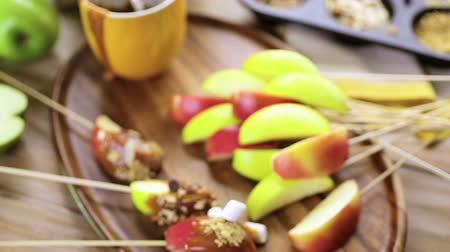 karamel : Autumn picnic with fresh caramel apple slices.