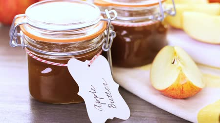 специи : Homemade apple butter prepared from organic apples.