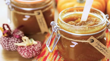 dynie : Homemade pumpkin butter made with organic pumpkins. Wideo