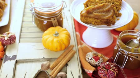shovívavost : Homemade pumpkin butter made with organic pumpkins. Dostupné videozáznamy