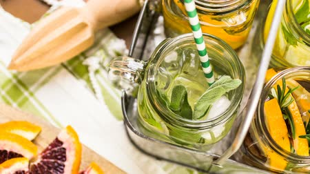специи : Detox citrus infused water as a refreshing summer drink.
