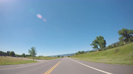 karpatské : Car driving through grassland at Chatfield State Park.-POV point of view. Dostupné videozáznamy