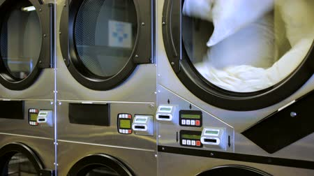 yıkayıcı : Industrial washing machines in a public self service laundry