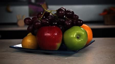 martwa natura : Still life fruit kitchen interior Wideo