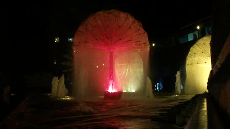 noite : Night fountain.