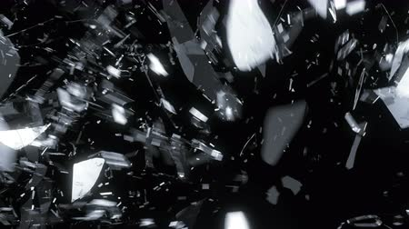 ruch : Glass shattered and broken in slow motion. Alpha matte