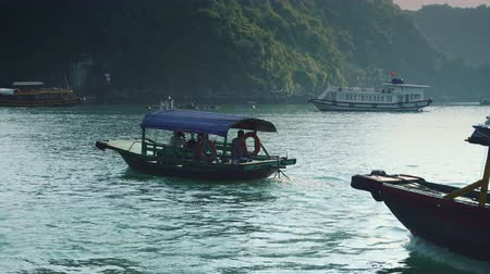ba : Small Boat In Halong Bay