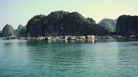halong : Halong Bay Houseboats