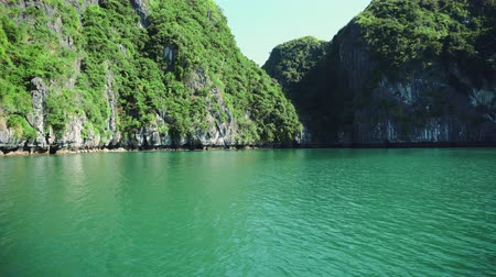 halong : Ha Long Bay Vietnamview Of Halong Bay, Hang Sung Sot Cave Harbour