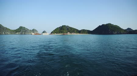 ba : View Of Travel At Tourist Boat On HaLong Bay