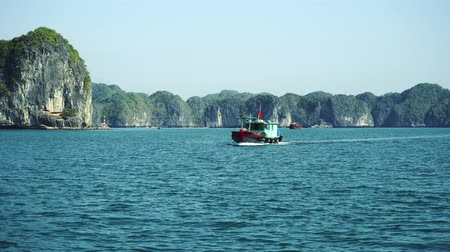 ba : Halong Bay View From Boat Tour