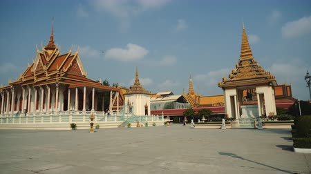 кхмерский : Exterior Of The Royal Palace In The Phnom Penh, Cambodia, Asia
