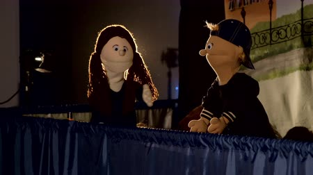 loutka : Puppet dolls play during the performance in theater Dostupné videozáznamy