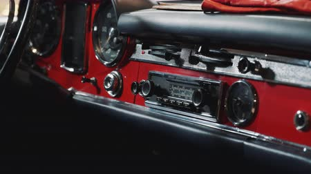 hız göstergesi : Close-up of dashboard panel of red retro car. Classic vintage car