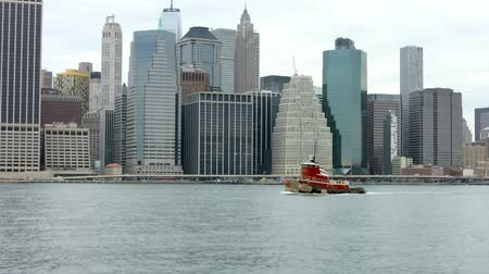 Red Boat Downtown New York View Slow Motion Dostupné videozáznamy