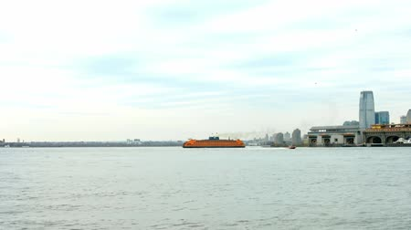 ostrovy : Staten Island Ferry Slow Motion