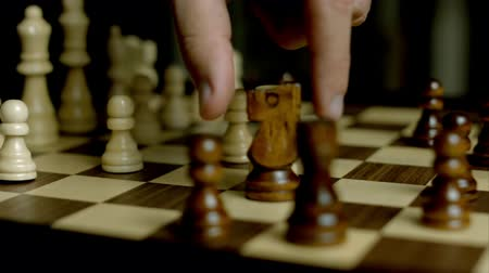 estratégico : Playing Chess Game On The Road Stock Footage