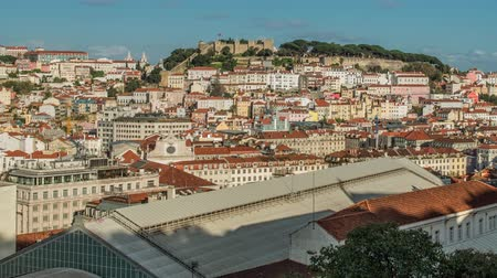 portugalsko : Lisbon, Portugal skyline towards Sao Jorge Castle
