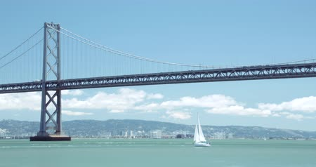 Yacht & Bay Bridge, San Francisco California Landscape Scenic Wideo