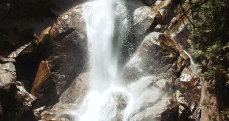 Grizzly Falls Waterfall, Kings Canyon National Park Wideo
