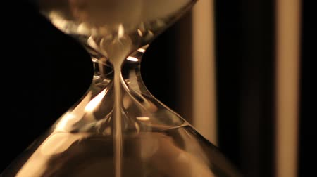 areias : A trickle of sand in the hourglass. Beginning of a cycle.