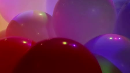 grappolo : Palloncini celebrativi morbidi e luminosi e luci LED colorate lampeggianti