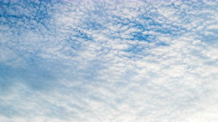 radiante : White clouds flying on blue sky. Timelapse Stock Footage