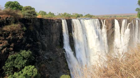 Виктория : The Victoria Falls is the largest to the curtain of water in the world 1708 meters wide. The falls and the Surrounding area is the National Parks and World Heritage Site - Zambia, Zimbabwe