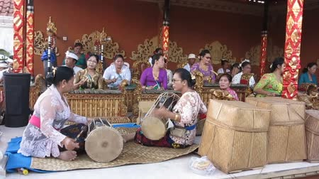 sarcophagus : NUSA Penida, PROV. BALI, INDONESIA - AUGUST 19th 2015: Music file on womens Hindu ceremony, August 19th 2015 Toyopakeh, Nusa Penida, Bali