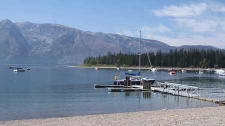 grand tetons : Boats in jackson lake