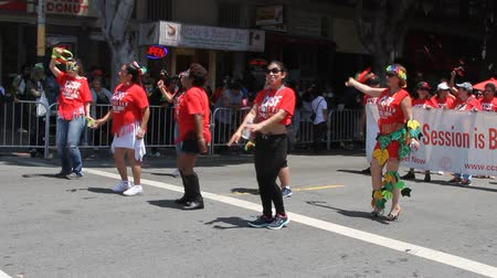 tancerze : San Francisco Carnival, May 2016, California USA, Parade in the mission district of San Francisco