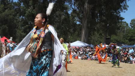 indios nativos : 5132017: Stanford, California: Stanford Pow-wow
