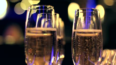 bebida : Champagne in glasses