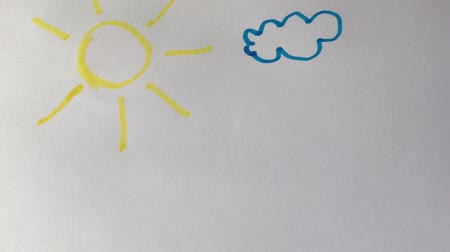 exercício : Artists draw a felt-tip pen, draw a sun on paper.