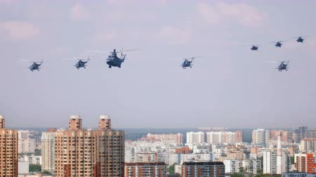 tropas : Helikopters over the city Vídeos