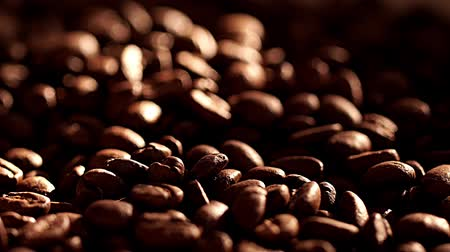 laktóz : Coffee beans rotation in the slowed-down movement macro.
