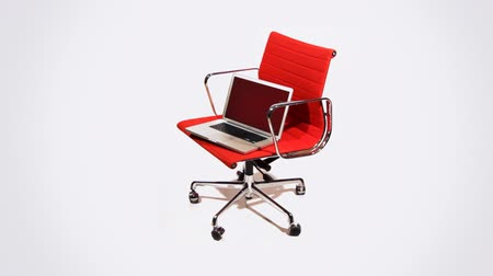 ügynökség : office chair with laptop saying are you ready for a new job