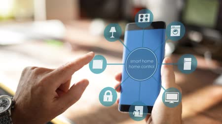efektywność : Smart Home Device - House automation home Control concept on smartphone using an app for room heating Wideo