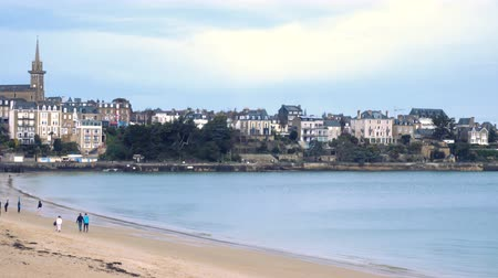 normandiya : view of the French town Dinard Stok Video