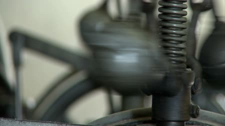 escovado : close up of a spinning mechanism