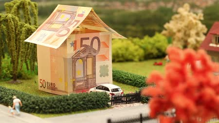 euro : euro house in a residential neighborhood  Stok Video