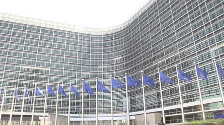 europeu : slowmotion EU flags EU commission Brussels